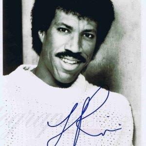 Lionel Richie autograph Black and White promotional photo – Music Autographs