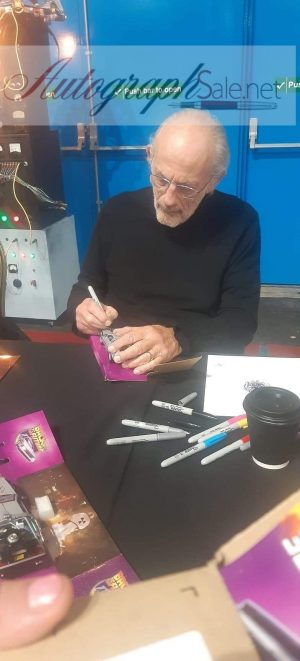Christopher Lloyd autographs Back to the future signing in person 2019