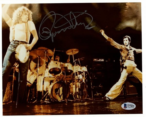 Roger Daltrey Autographed Photo The Who Live 2