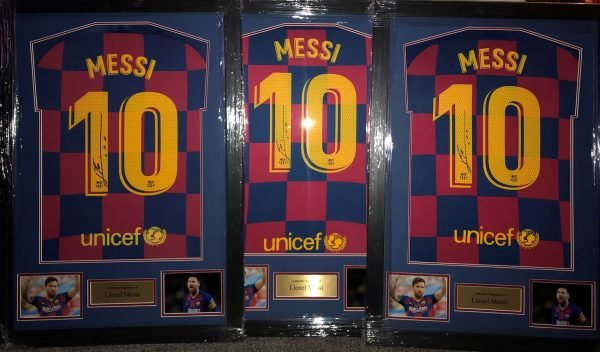 Lionel Messi Autograph Barcelona football shirt #10 signed