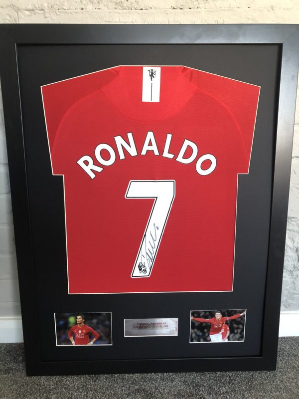 Cristiano Ronaldo Autographed Manchester United 2008 Football Strip