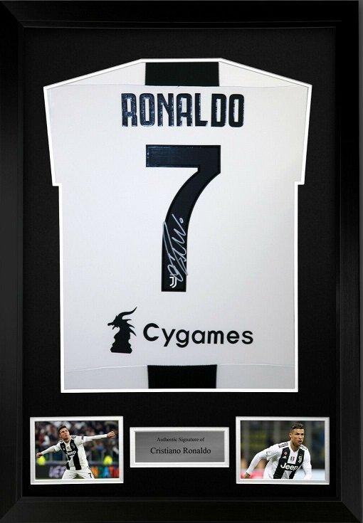Cristiano Ronaldo autograph Juventus Home #7 Football Shirt