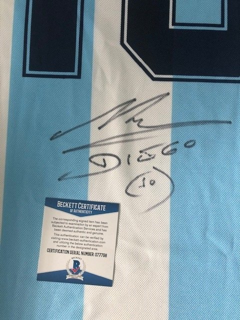 Diego-Maradona-Autograph-Argentina-strip-2