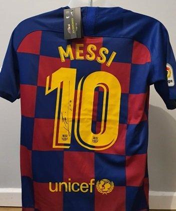 Messi Barcelona FC autograph football strip #10 signed signature