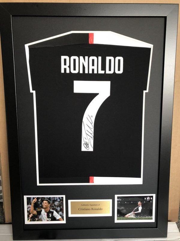 Cristiano Ronaldo framed autograph Juventus #7 Football Shirt