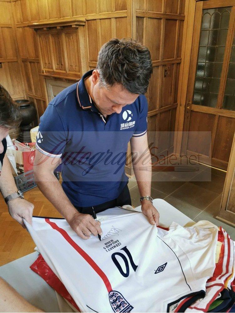 Michael Owen signing autographs England shirt